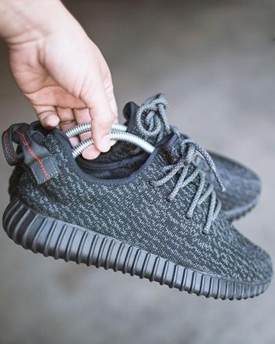 Giữ form giày nhựa